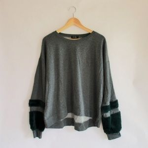 Jessica Simpson Furry Sleeve Sweatshirt Size XL